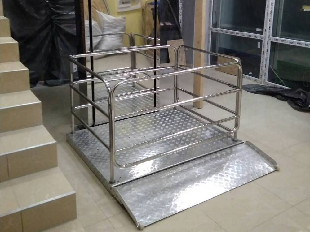 Изображение вертикального инвалидного подъемника №1