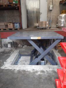 Изображение реализованного проекта по гидравлическому подъемному столу №1