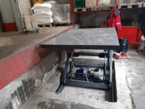 Изображение реализованного проекта по гидравлическому подъемному столу №4