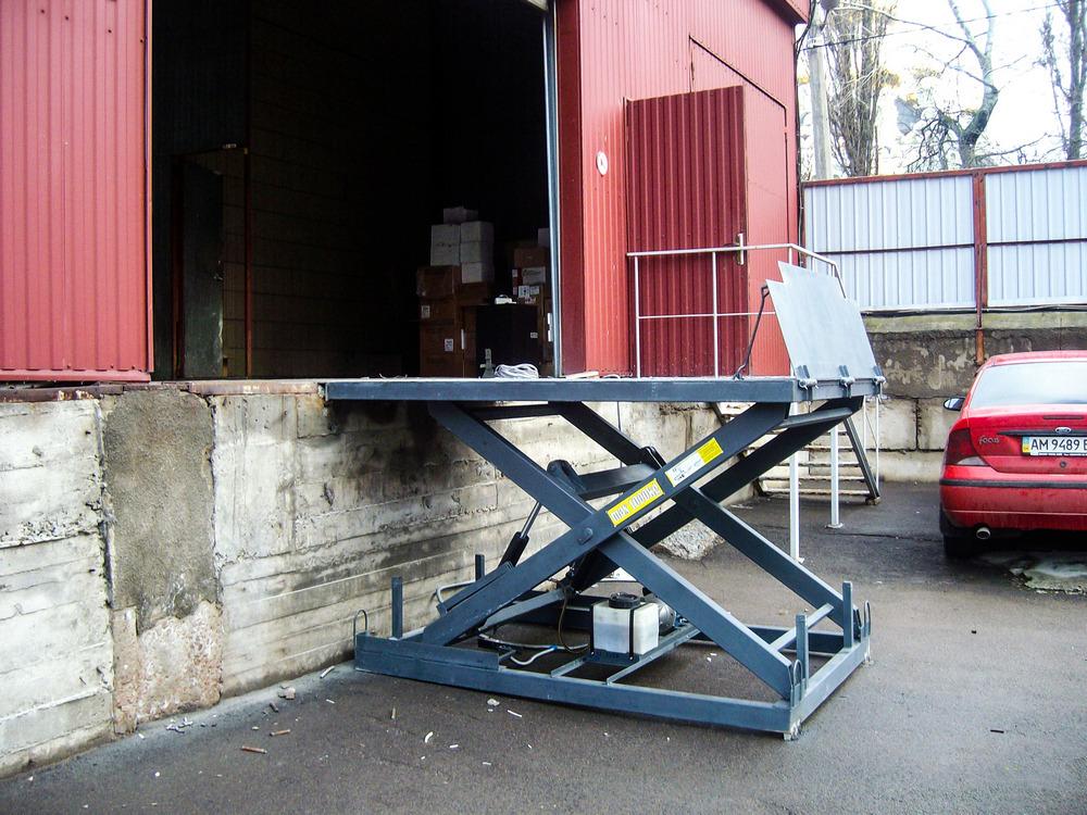 подъемный стол для склада