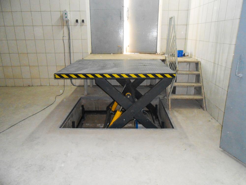ножничный стол подъемник на производство