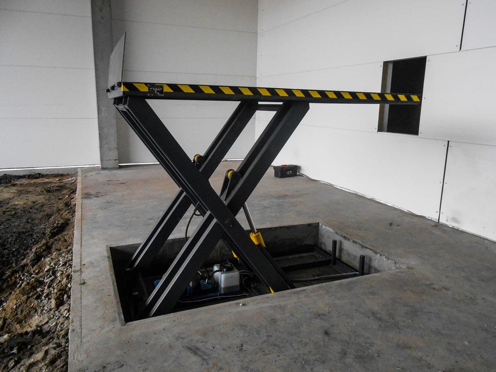 Изображение гидравлического подъемного стола №15