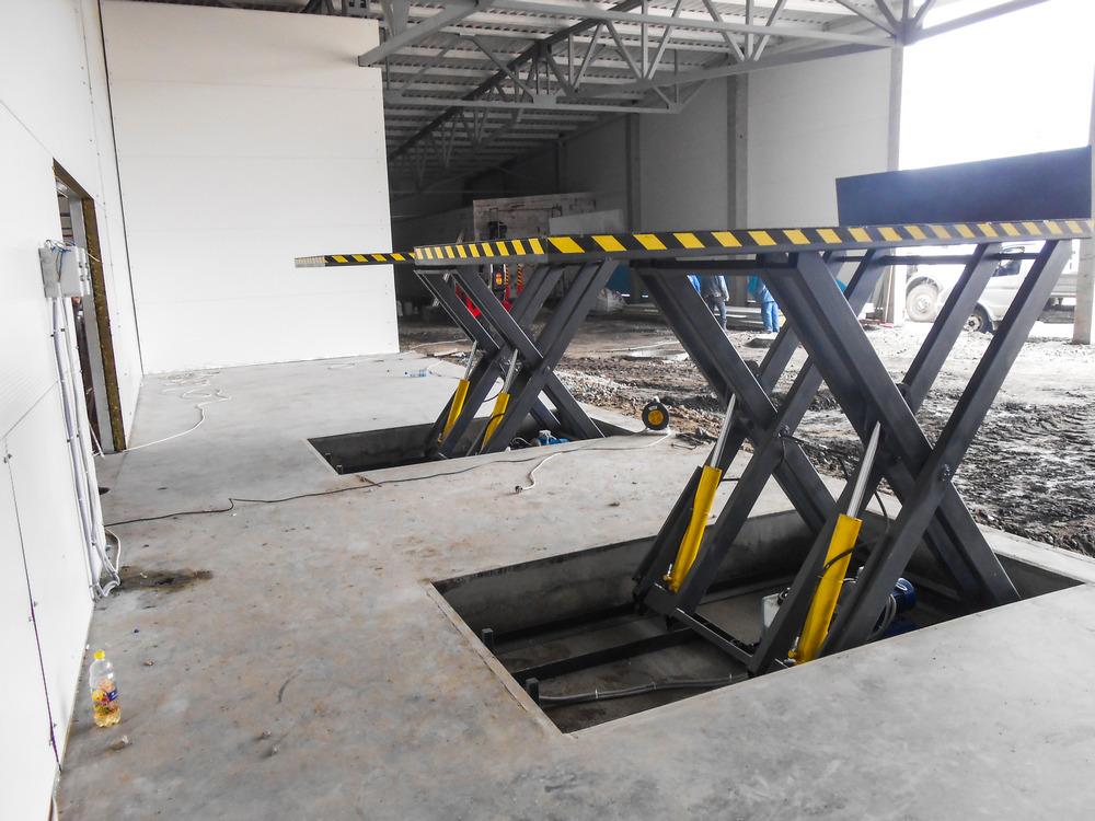 Изображение гидравлического подъемного стола №16