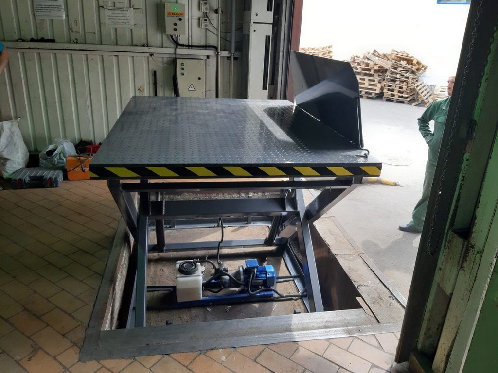 Изображение реализованного проекта по гидравлическому подъемному столу №10