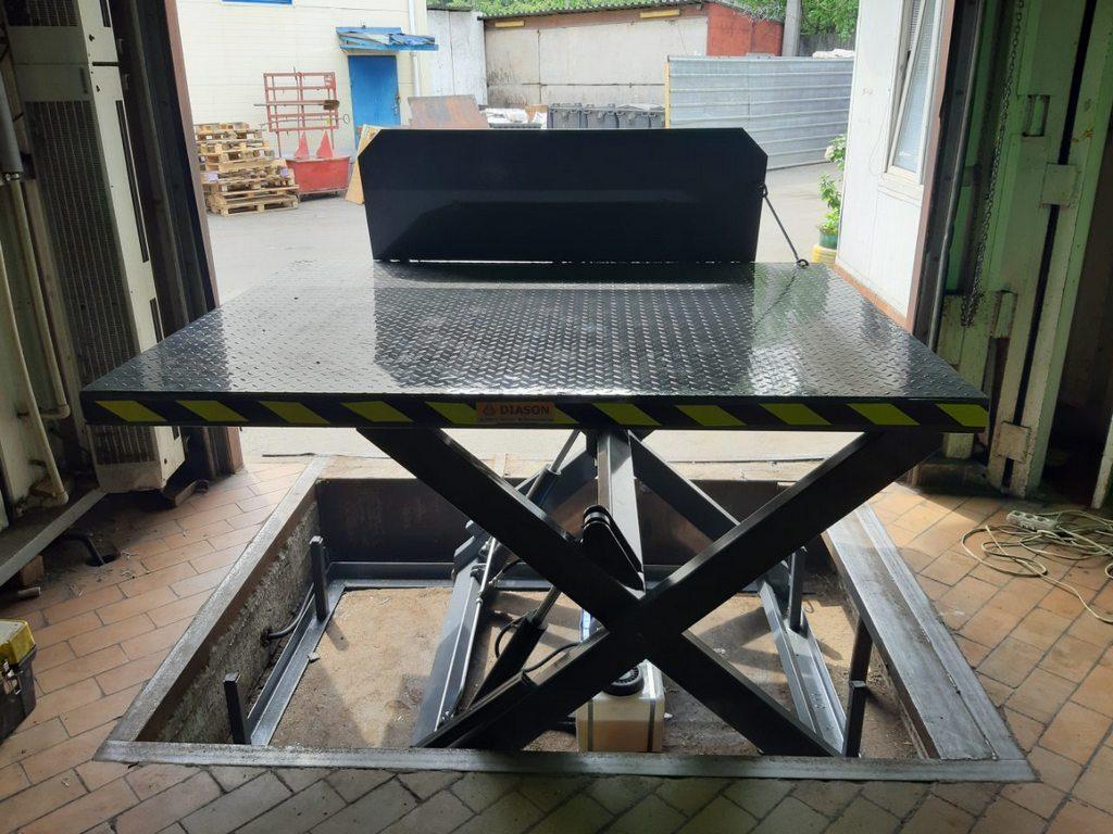 Изображение реализованного проекта по гидравлическому подъемному столу №11