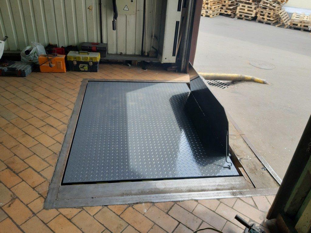 Изображение реализованного проекта по гидравлическому подъемному столу №12