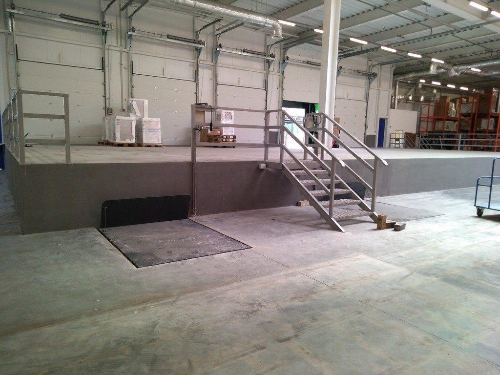 Изображение реализованного проекта по гидравлическому подъемному столу №16