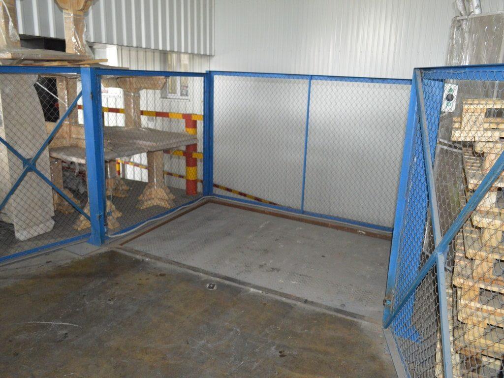 Изображение реализованного проекта по межэтажному гидравлическому подъемному столу №10
