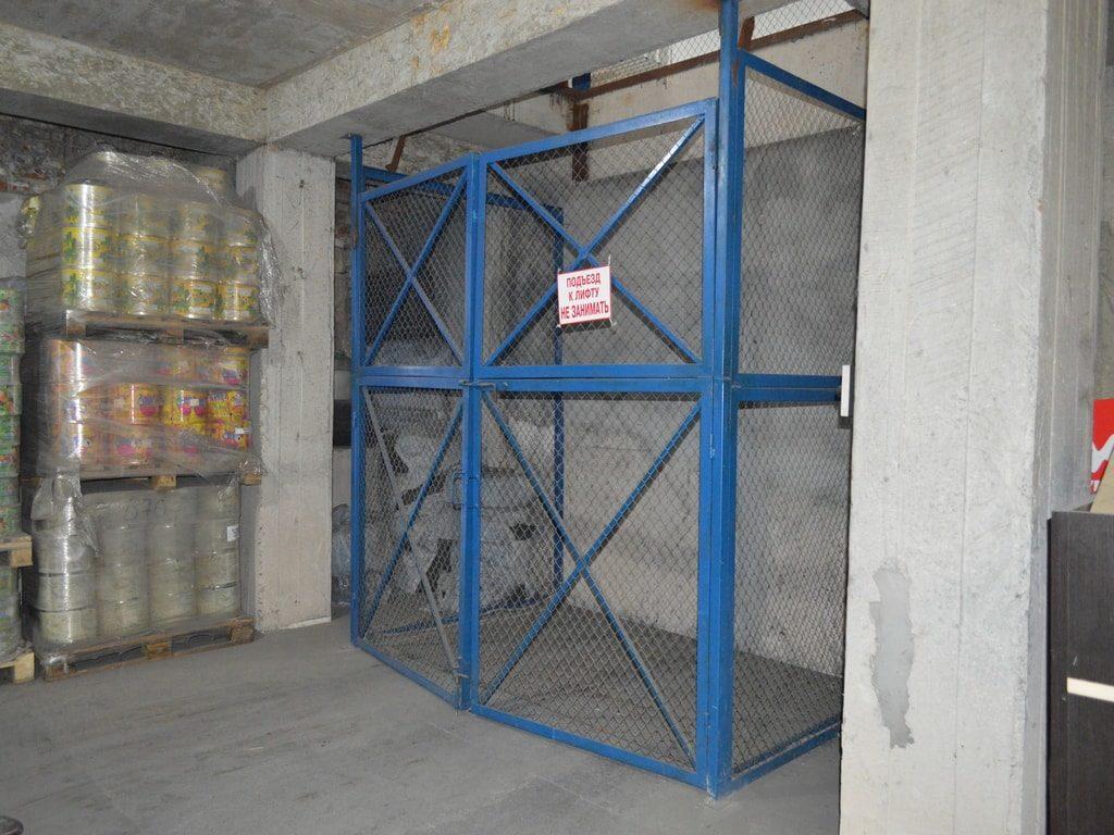 Изображение реализованного проекта по межэтажному гидравлическому подъемному столу №5