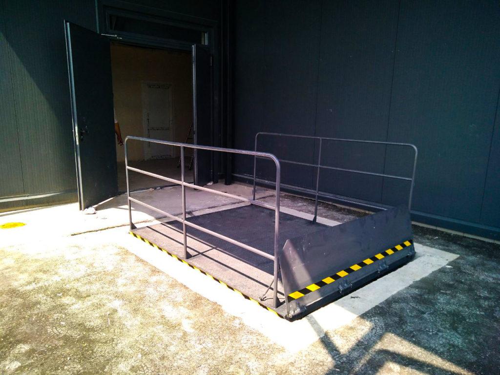 Изображение реализованного проекта по гидравлическому подъемному столу №18