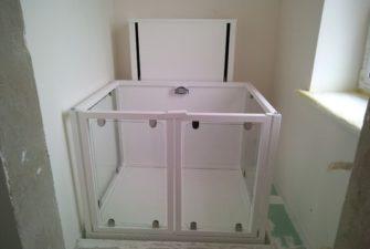 Изображение реализованного проекта по вертикальному инвалидному подъемнику №17
