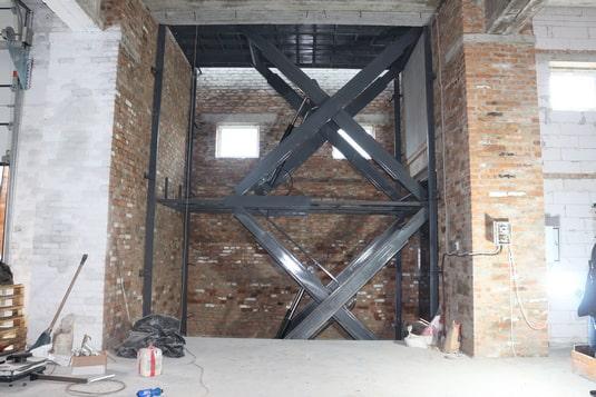Межэтажный подъемник для складского комплекса вид7