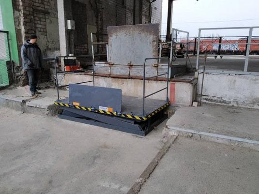 Изображение реализованного проекта по гидравлическому подъемному столу №21