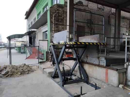 Изображение реализованного проекта по гидравлическому подъемному столу №22