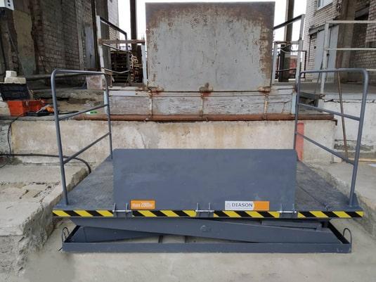 Изображение реализованного проекта по гидравлическому подъемному столу №24