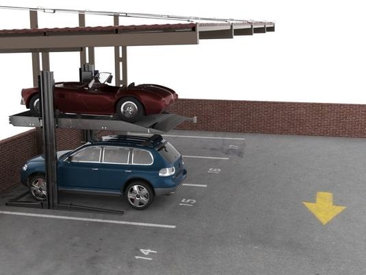 два авто на парковочном подъемнике стоечного типа