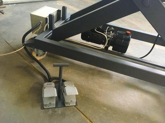 Изображение реализованного проекта по мобильному подъемному столу №2