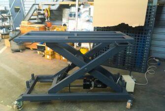 Изображение реализованного проекта по мобильному подъемному столу №4