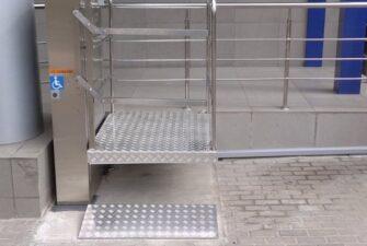 Изображение реализованного проекта по вертикальному инвалидному подъемнику №29
