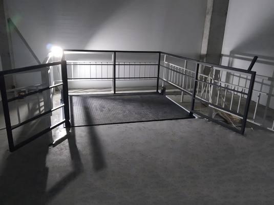 Межэтажный подъемник для мебельного магазина вид4