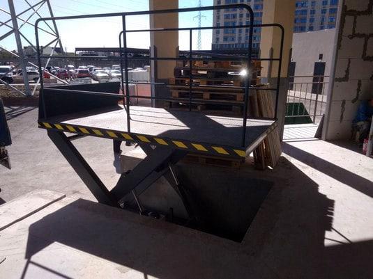 Изображение реализованного проекта по гидравлическому подъемному столу №32