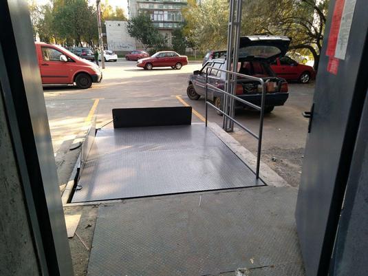 подъемный стол для магазина траш в борисполе вид3